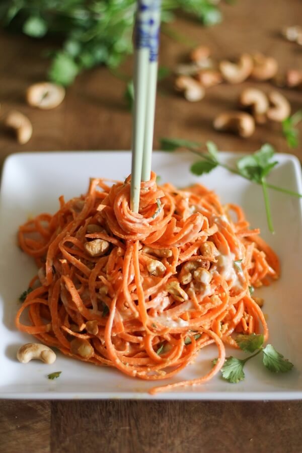 Raw Vegan Raw Carrot Pasta with Ginger-Lime Peanut Sauce | #raw #vegan