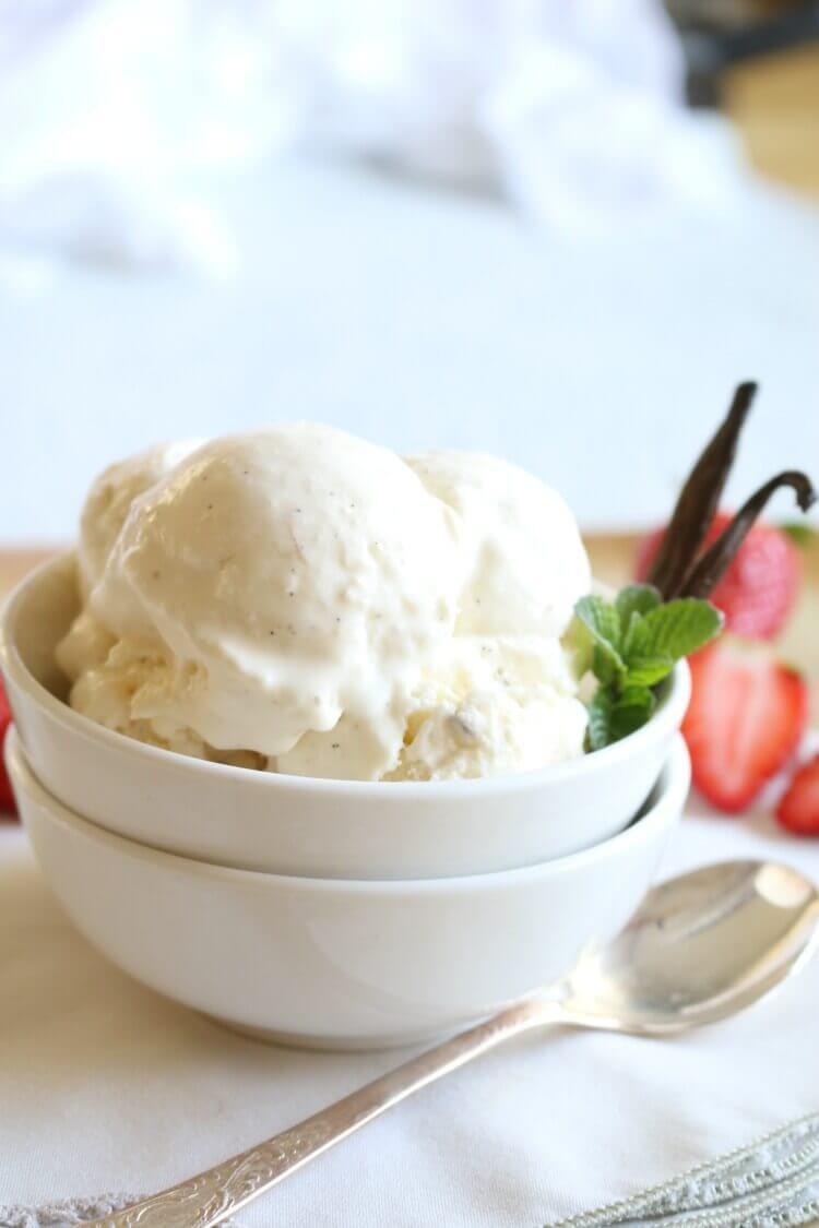 Vegan Vanilla Ice Cream | #vegan #dairyfree