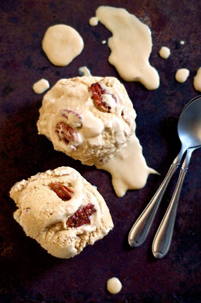 Vegan Pecan Pie Ice Cream | #vegan #dairyfree