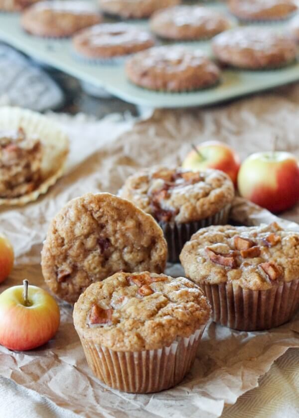 Vegan Apple Oatmeal Muffin | #vegan