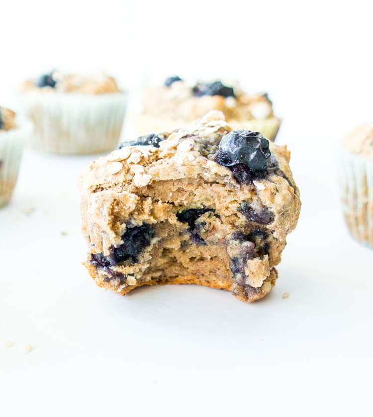 Vegan Blueberry Banana Power Muffin | #vegan