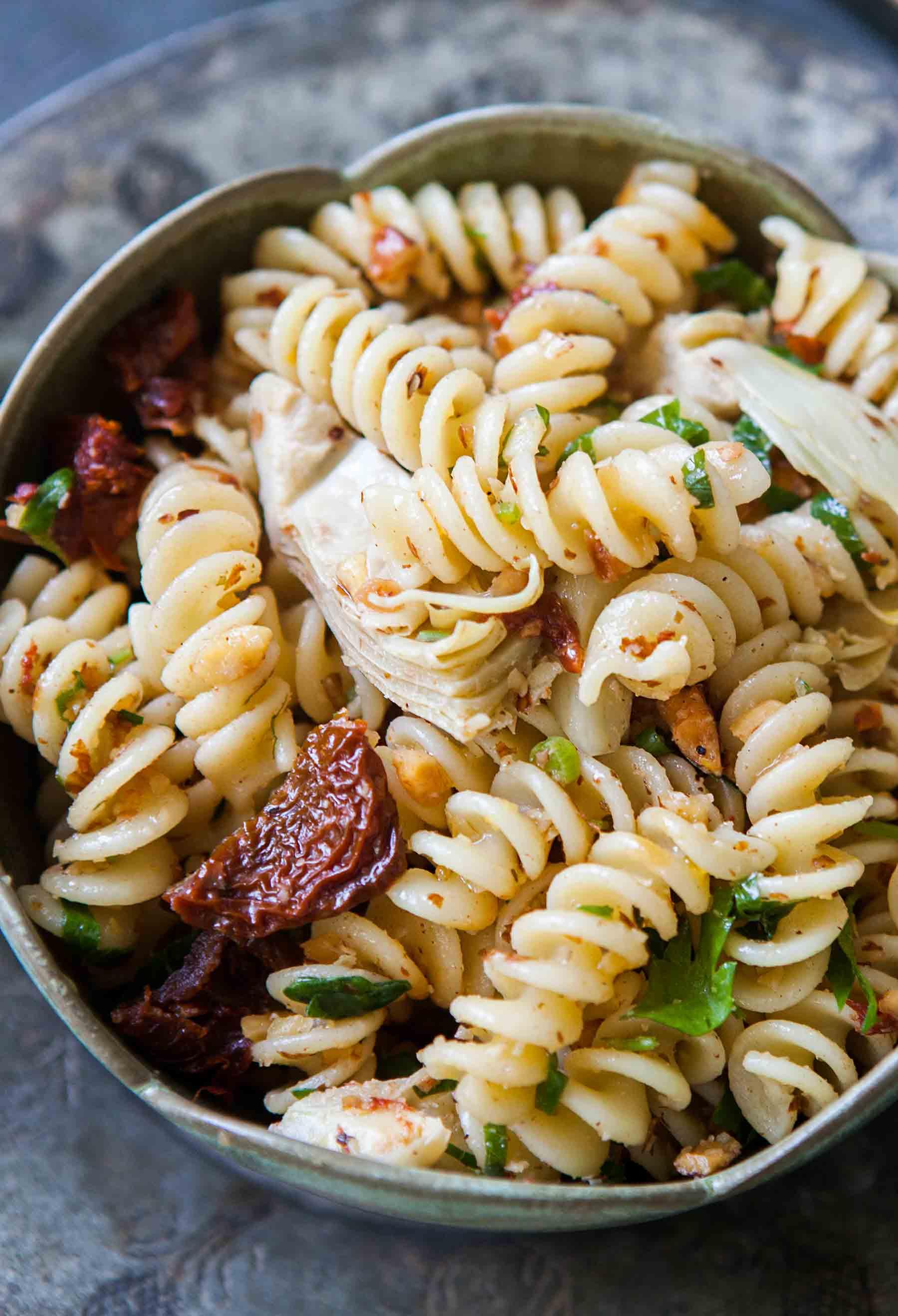 Vegan Artichoke Sun-dried Tomato Pasta Salad