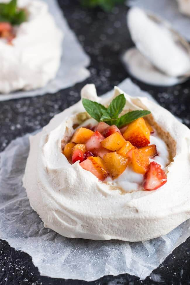 Vegan Mini Pavlovas