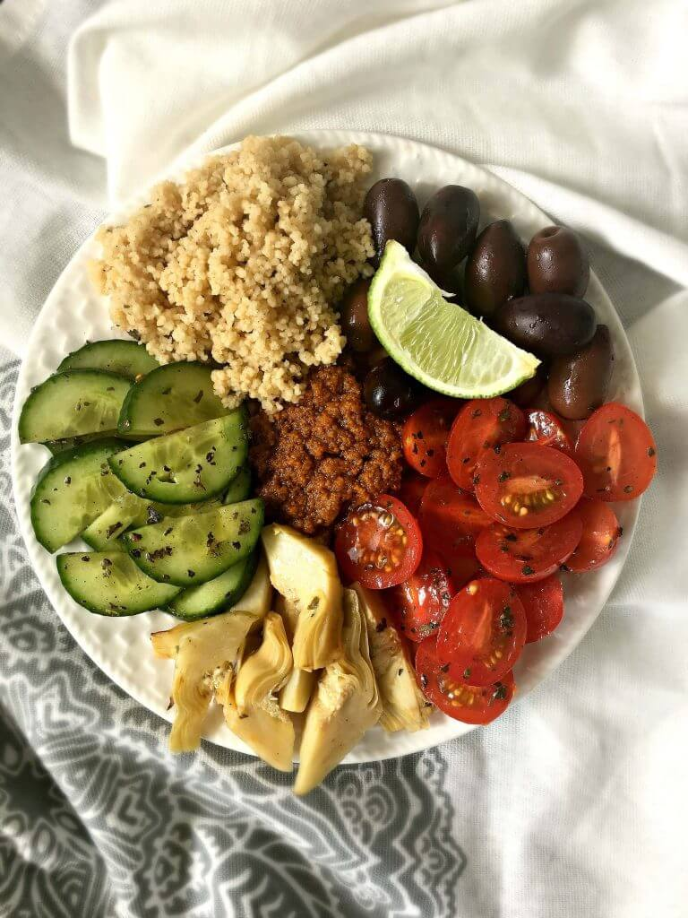 Vegan Mediterranean Bowl with Sun-dried Tomato Pesto | #vegan