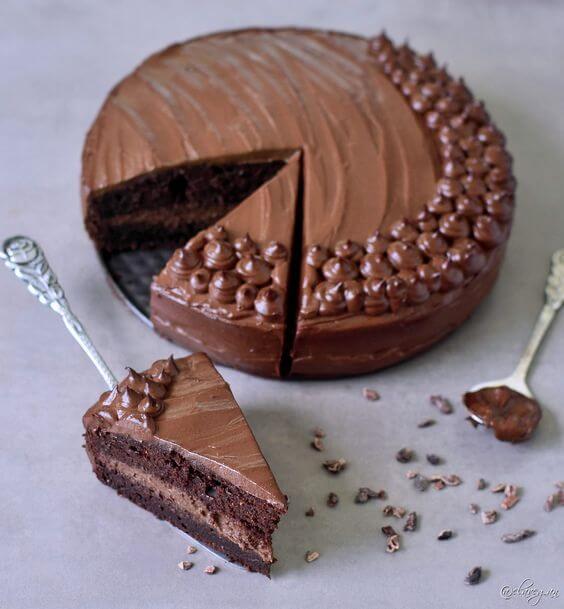 Vegan Chocolate Zucchini Cake | #vegan