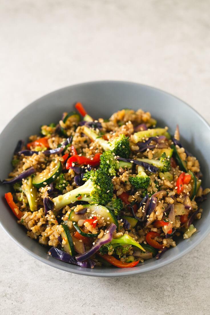 Vegan Brown Rice Stir-fry with Vegetables | #vegan