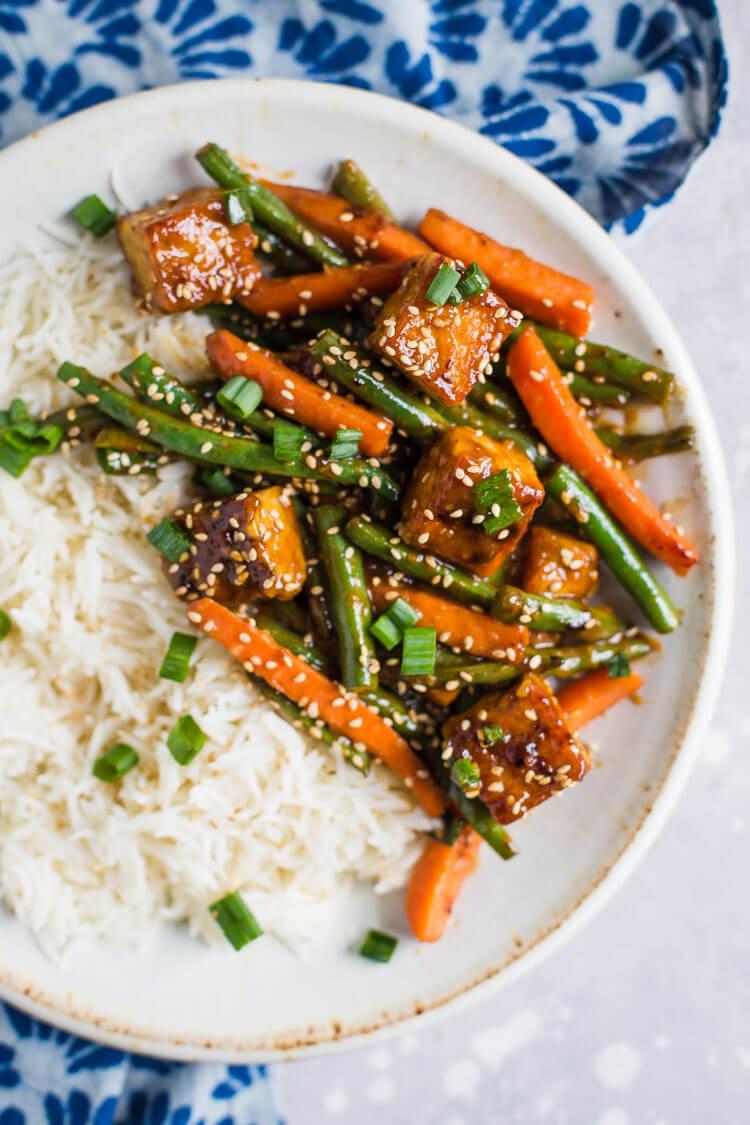 Vegan Sesame Ginger Tempeh Stir Fry | #vegan