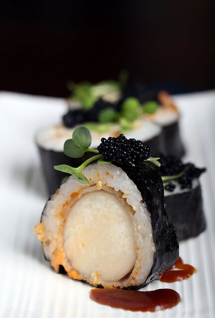Vegan Spicy Scallop Roll | #vegan #sushi