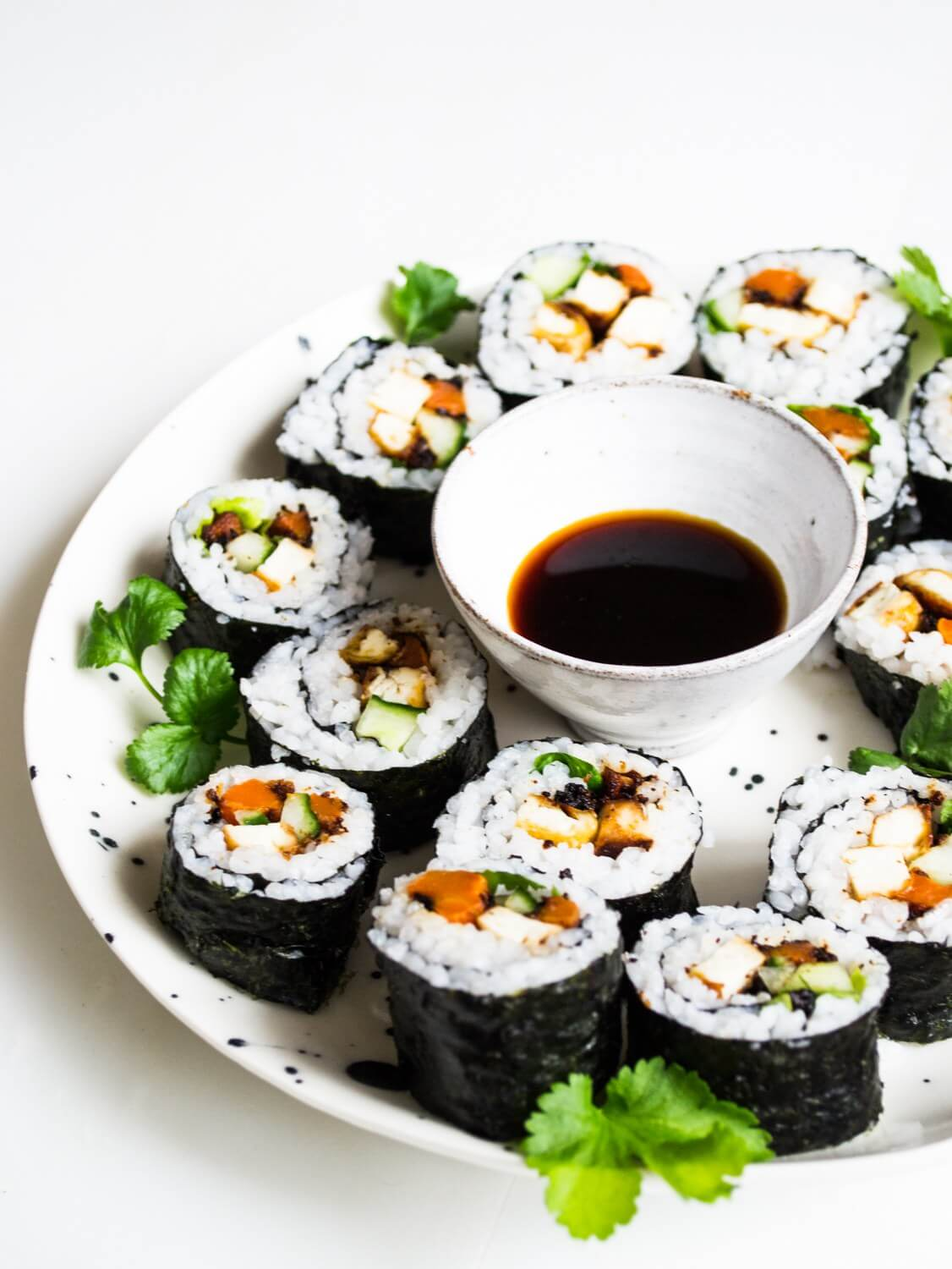 Vegan Miso Roasted Tofu Carrot Sushi | #vegan #sushi