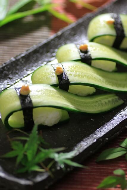 Vegan Pickled Cucumber Sushi with Karashi Mustard | #vegan #sushi