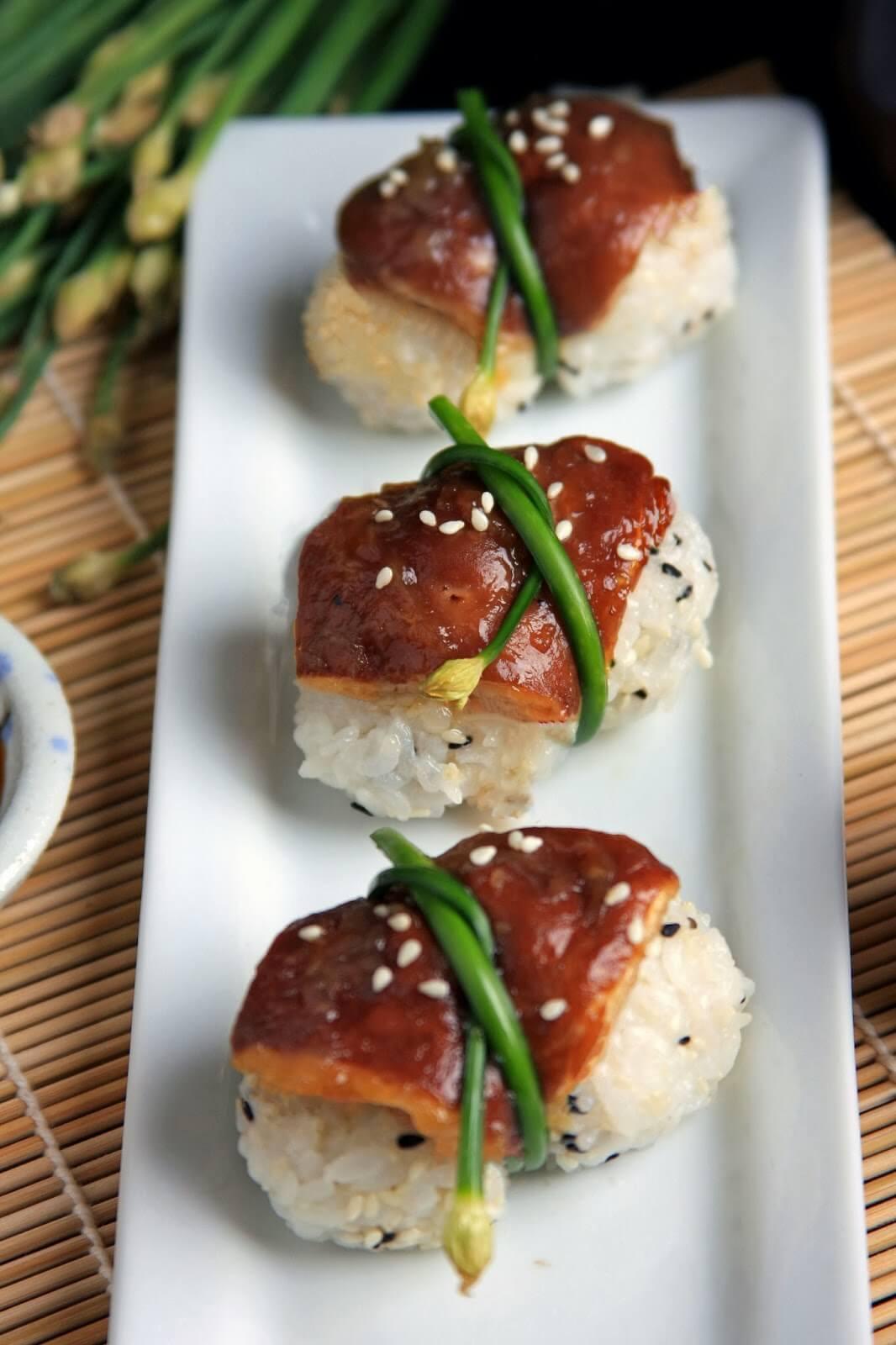 Vegan Shiitake Nigiri | #vegan #sushi