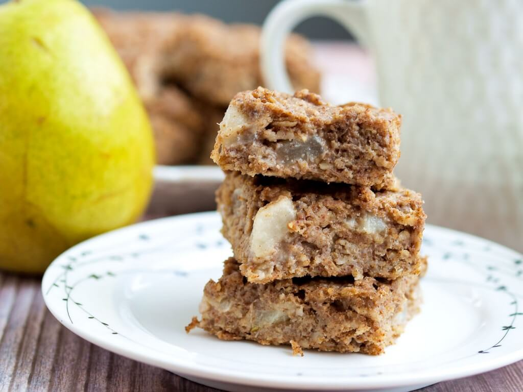 Vegan Pear Oatmeal Bars