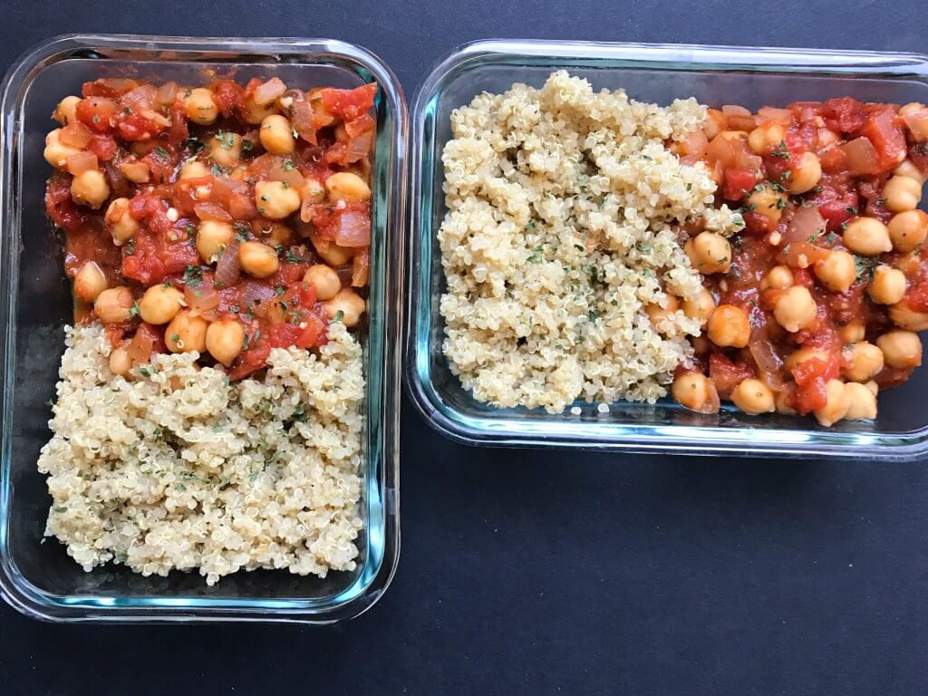 Spicy Tomato Chickpeas with Quinoa