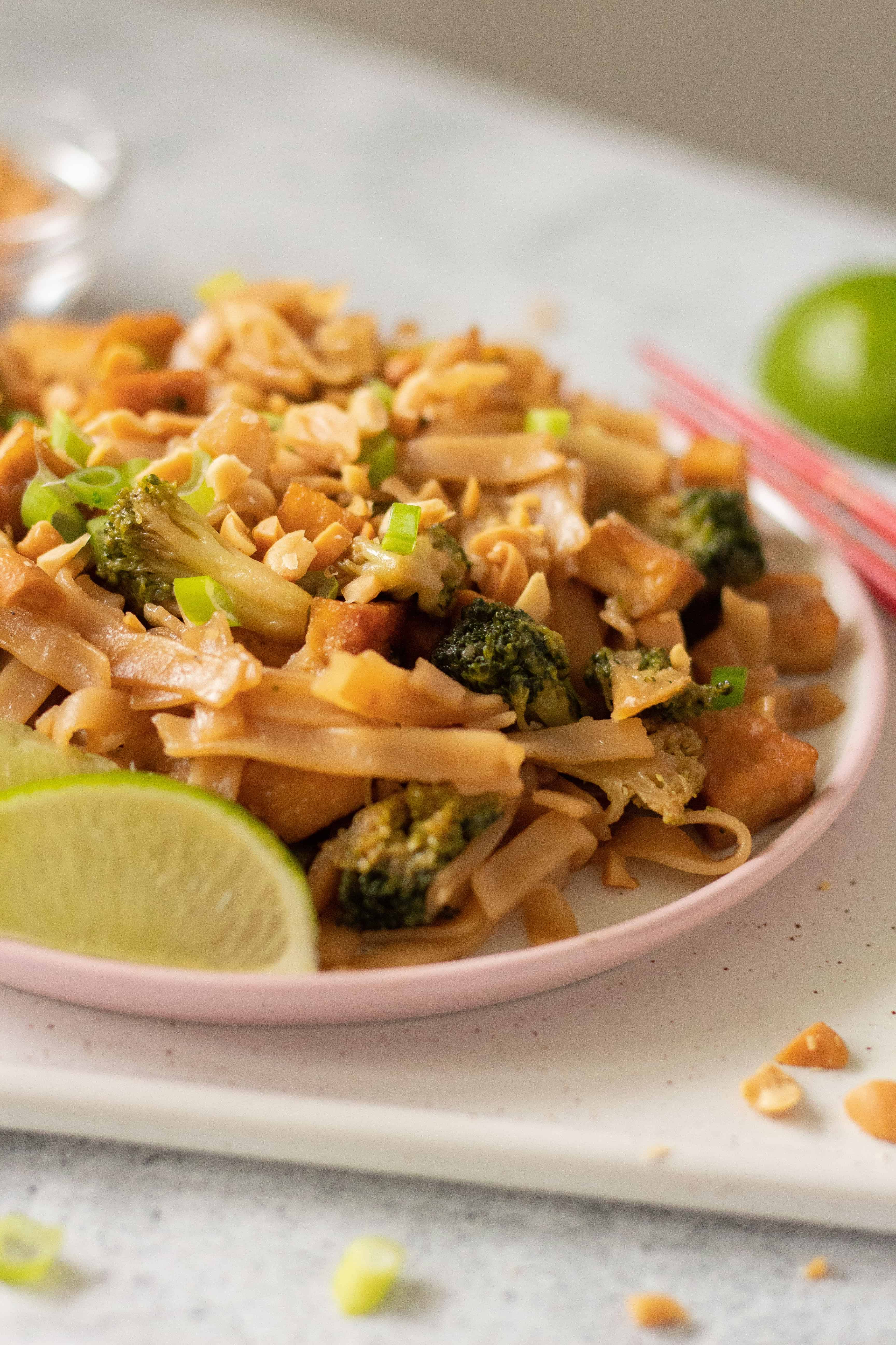 Vegan Rice Noodle Stir Fry with Tofu and Veggies - a tasty, beginner friendly, Pad Thai-inspired meal, that is super nutritious. | The Green Loot #vegan #veganrecipes #healthyeating #healthyrecipes #Asianrecipes