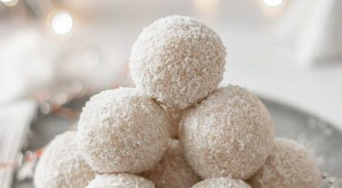 Vegan Coconut and Rum Snowballs