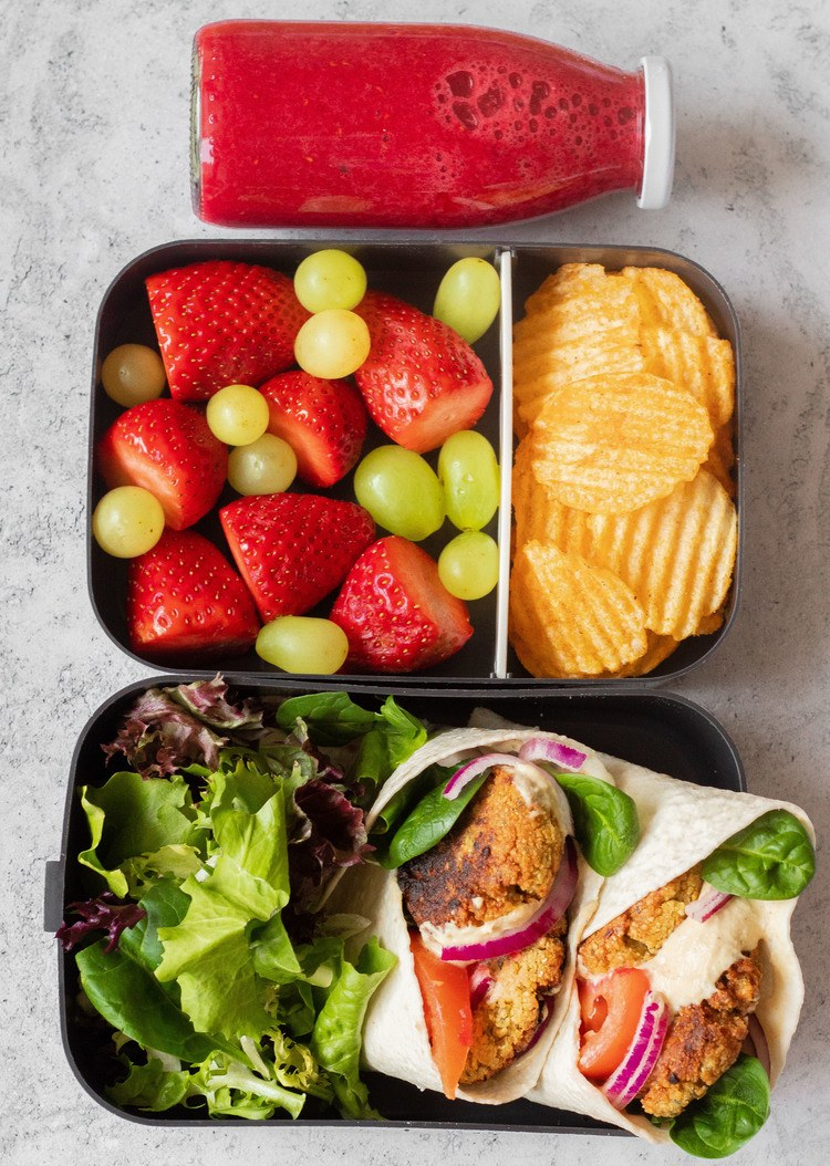 These Easy Vegan Lunch Box Ideas for Work will give you a ton of inspiration for meal prep! Not just for adults. | The Green Loot #vegan #veganrecipes #mealprep