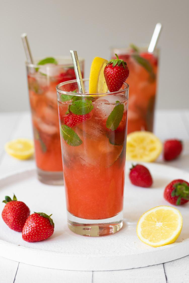 These fruity Summer lemonades are healthy and super refreshing! Perfect to cool down in the heat! Strawberry, Orange & Mint and Blackberry options. | The Green Loot #vegan #veganrecipes #Summer