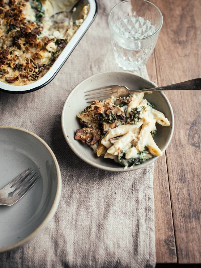 Creamy Cauliflower, Mushroom & Kale Pasta Bake